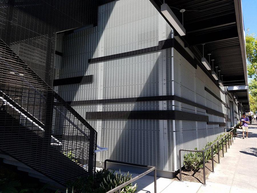 mcnichols-bargrating-building-facades-infillpanels