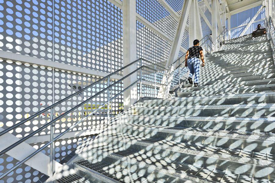 mcnichols-perforated-bargrating-buildingfacades