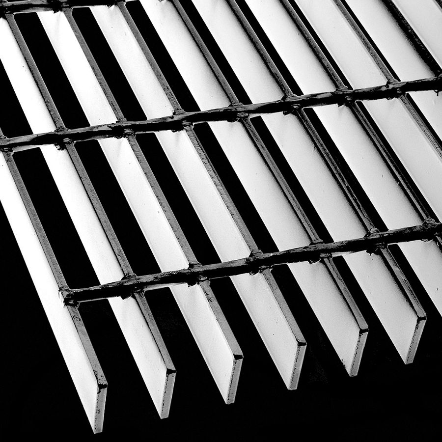 "McNICHOLS® Bar Grating Welded, Rectangular Bar, GW-125, 19-W-4 Spacing, Carbon Steel, Hot Rolled - Painted Black, 1-1/4"" x 3/16"" Rectangular Bar, Smooth Surface, 77% Open Area"