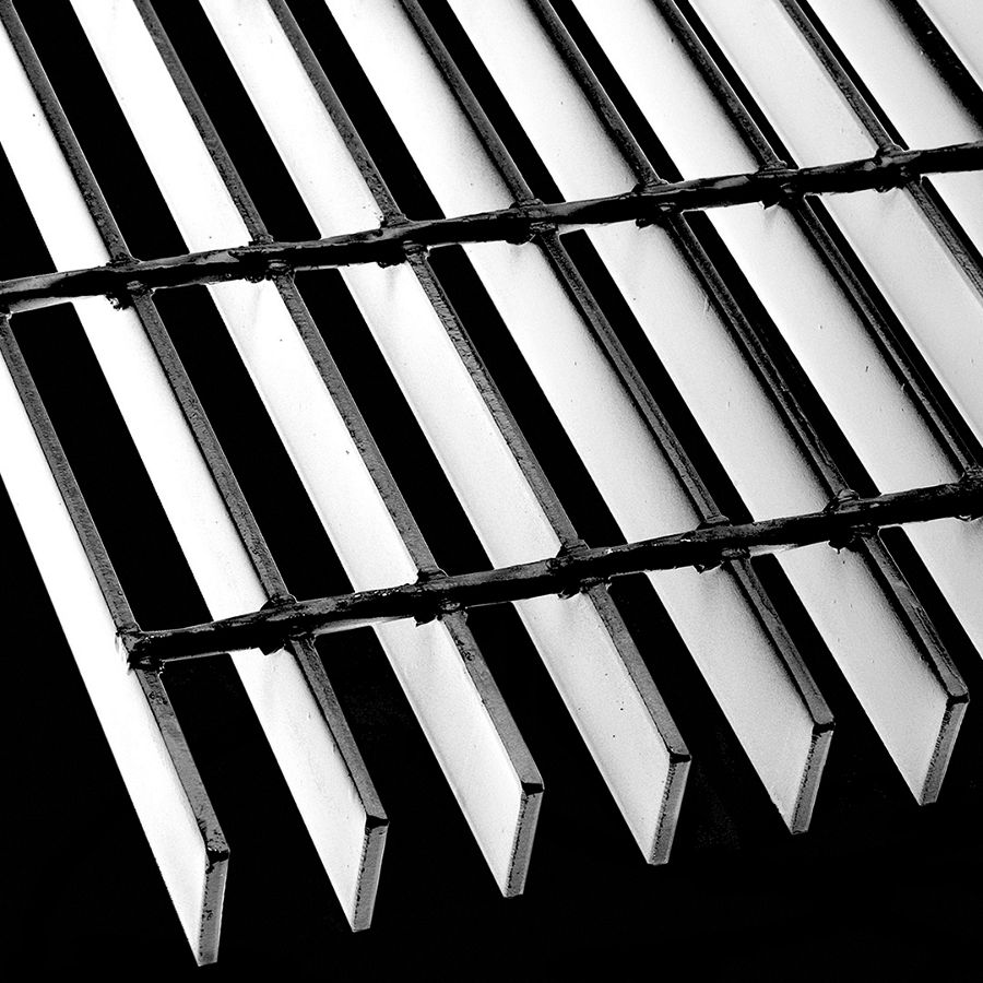"McNICHOLS® Bar Grating Welded, GW-125, 19-W-4 Spacing, Stainless Steel, 1-1/4"" x 3/16"" Rectangular Bar, Smooth Surface, 77% Open Area"